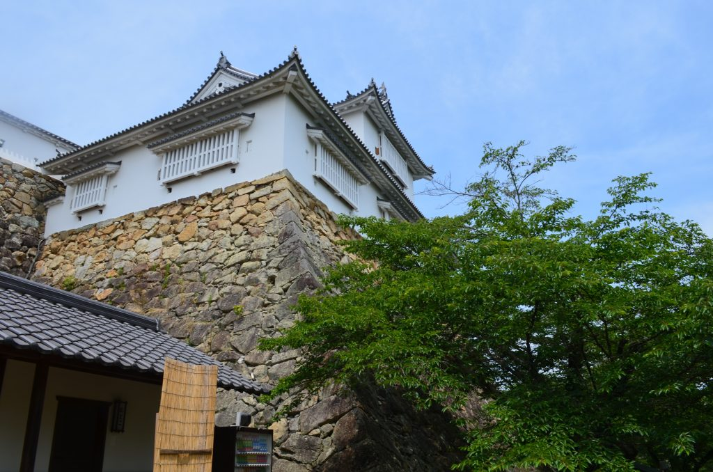 津山城の石垣刻印調査団